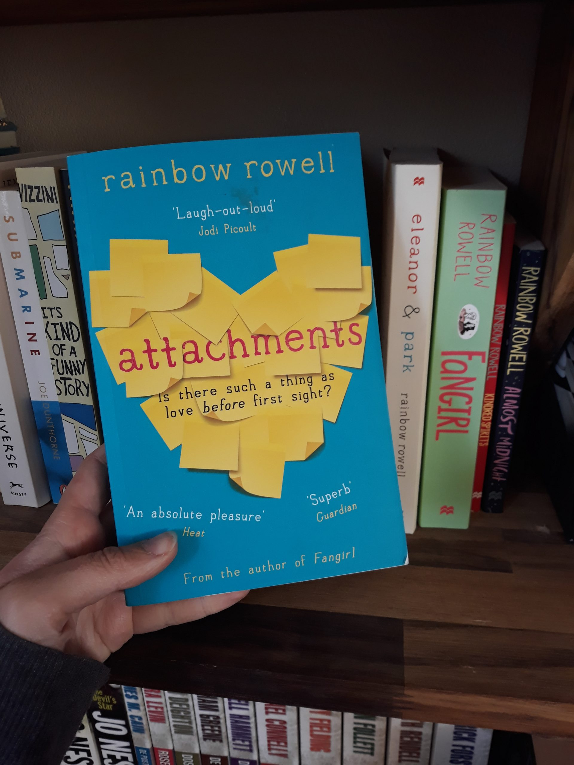 Boekrecensie: Attachments – Rainbow Rowell