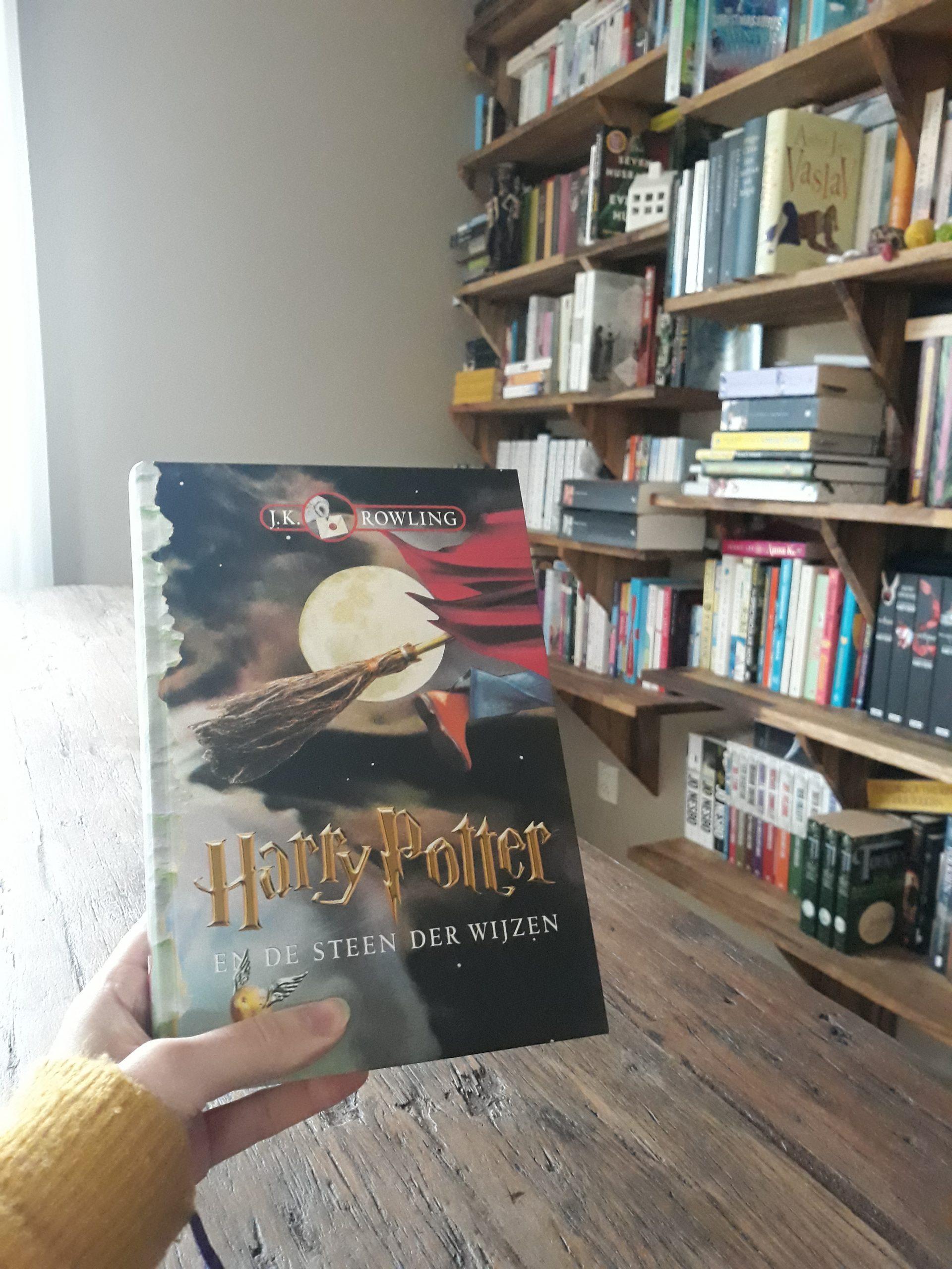 Boekrecensie: Harry Potter en de Steen der Wijzen – J.K. Rowling